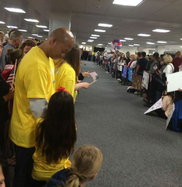Syracuse Honor Flight - crowd