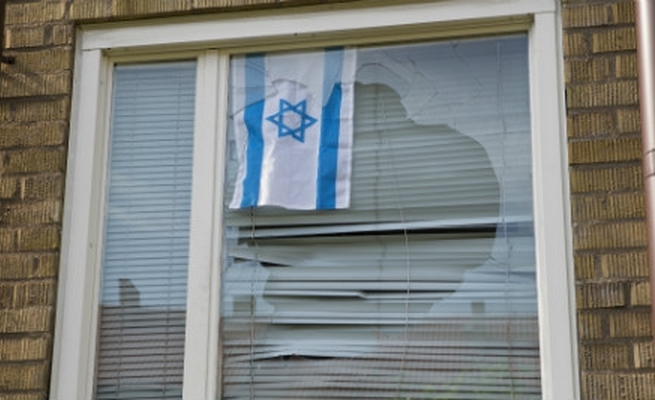 http://www.thelocal.se/20140707/man-sweden-flag-assault-israel