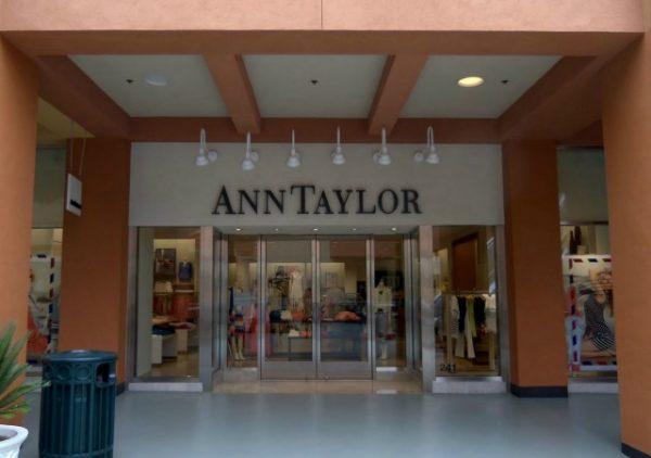 https://commons.wikimedia.org/wiki/File:Ann_Taylor_-_panoramio.jpg