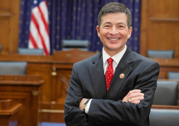 https://commons.wikimedia.org/wiki/File:Jeb_Hensarling_full_official_photo.jpg