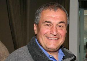 https://commons.wikimedia.org/wiki/File:Tony_Podesta_2009.jpg