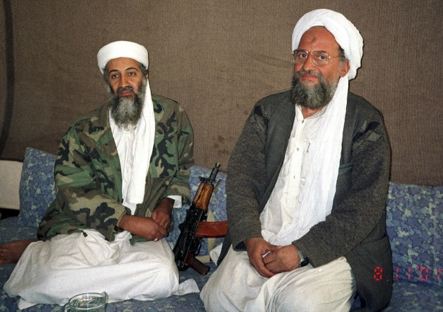 https://commons.wikimedia.org/wiki/File:Hamid_Mir_interviewing_Osama_bin_Laden_and_Ayman_al-Zawahiri_2001.jpg