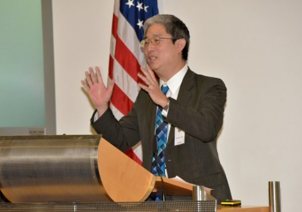 https://upload.wikimedia.org/wikipedia/commons/4/43/Marshall_Center_Workshop_examines_anti-corruption_policies%2C_measures%2C_solutions_160204-A-KT579-374.jpg
