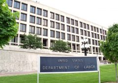 https://commons.wikimedia.org/wiki/United_States_Department_of_Labor#/media/File:US_Dept_of_Labor.jpg